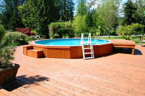 Immobilier travaux piscine hors sol ou piscine enterr e for Piscine hors sol enterree