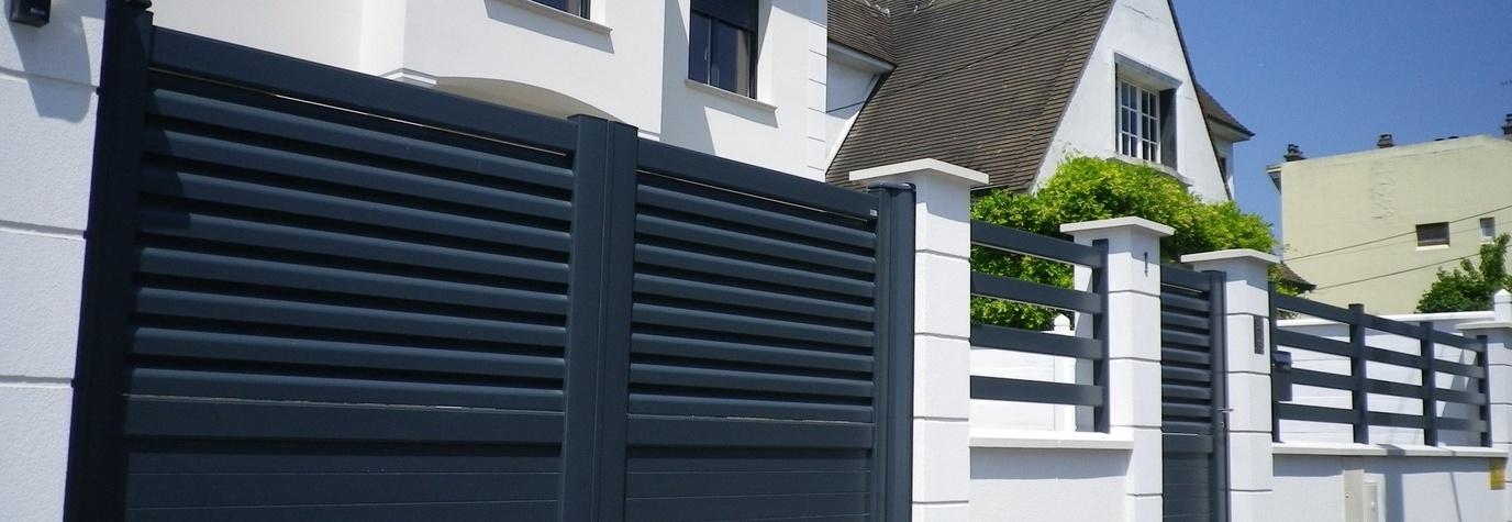 immobilier travaux les bonnes questions se poser avant de choisir son portail motoris. Black Bedroom Furniture Sets. Home Design Ideas