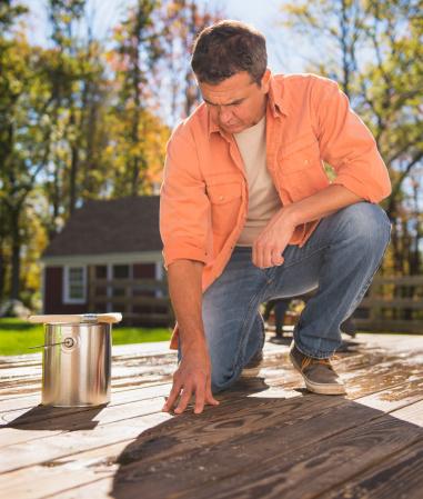 Différence lasure et saturateur pour bois