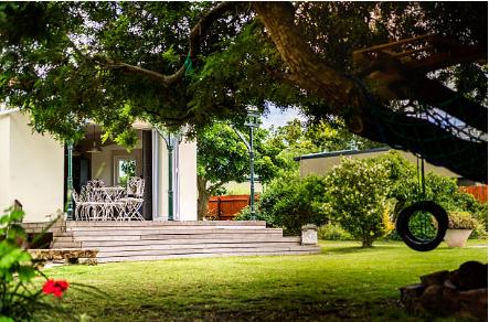 extérieur de maison avec terrasse